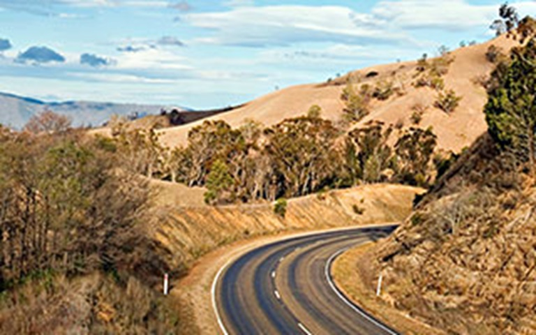 5 Legendary Roads In Australia Worth A Road Trip